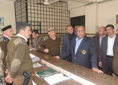 بالصور| مدير أمن الغربية يتفقد الخدمات الأمنية بمركز السنطة