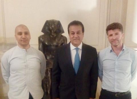 """وزير التعليم العالي يعلن الشركة الفائزة بتصميم مشروع """"بيت مصر"""" بباريس"""