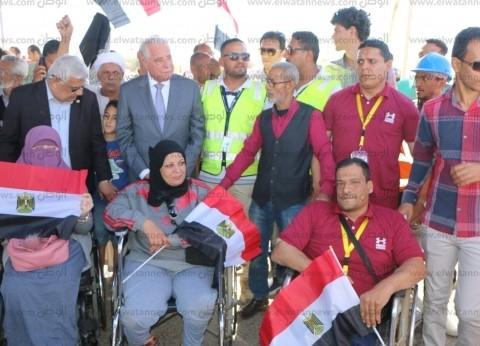 بالصور| محافظ جنوب سيناء يتفقد لجان الاستفتاء بشرم الشيخ