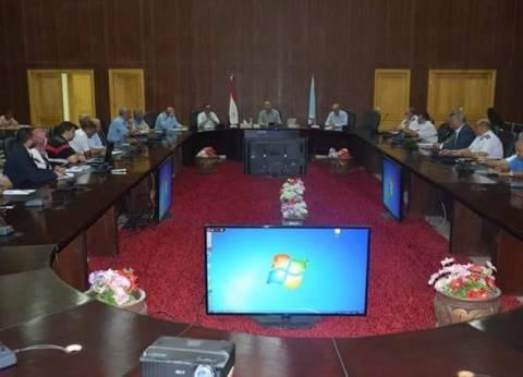 محافظ البحر الأحمر يناقش استعدادات الاحتفال بذكرى ثورة 30 يونيو
