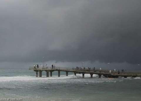 موجز الثالثة| أمطار غزيرة في الإسكندرية والبحيرة.. وارتفاع الدولار