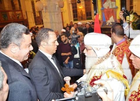رئيس جامعة دمنهور يهنىء الأنبا باخوميوس بعيد الميلاد: المصريون نسيج واحد
