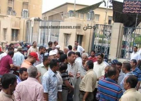 """""""العاملين بالبترول"""" يعلن تضامنه مع عمال غزل المحلة في إضرابهم ومطالبهم"""