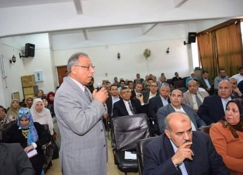 رئيس جامعة سوهاج يشهد بدء أسبوع العلوم المصري في جامعة سوهاج