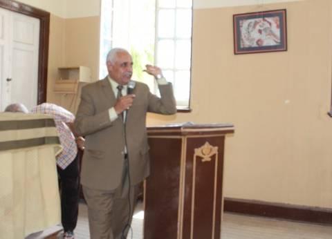 وكيل تعليم أسيوط يجتمع برؤساء لجان الشهادة الإعدادية