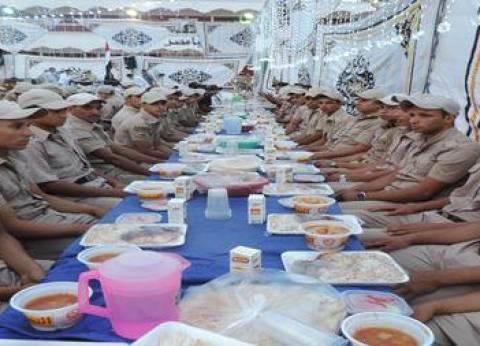 بالصور| مدير أمن كفر الشيخ ينظم مأدبة إفطار للضباط والمجندين