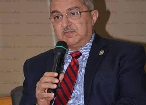 رئيس جامعة أسيوط يجدد ندب عميد كلية الطب البيطري ووكيلين لفرع الوادي