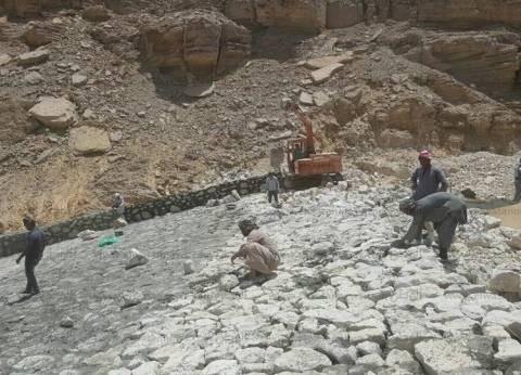 """مدير """"جوفية جنوب سيناء"""" يتفقد أعمال حماية وادي زلجة من مخاطر السيول"""