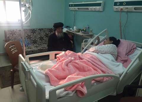 أسقف المنيا يزور مصابي حادث الكنيسة البطرسية في مستشفى الجلاء