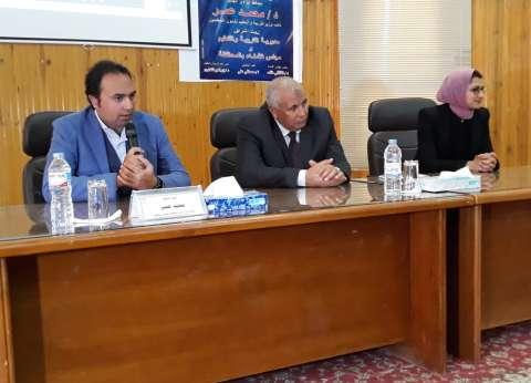 بالصور| نائب وزير التعليم يتفقد مدارس محافظة الوادي الجديد
