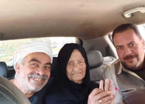 """عمرها 105 أعوام.. """"سريّة"""" تدلي بصوتها في الاستفتاء"""