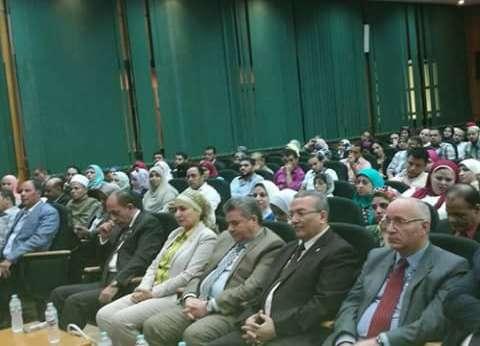 رئيس جامعة بنها يشهد برنامج إعداد القيادات الإدارية في القليوبية