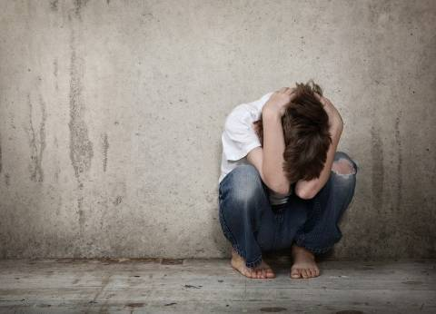 قصص ضرب وإهانة الشباب داخل المنزل: للأسرة وجوه أخرى