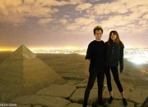 ضبط «جمّال» وفتاة سهلا صعود المصور الدنماركي وصديقته للهرم