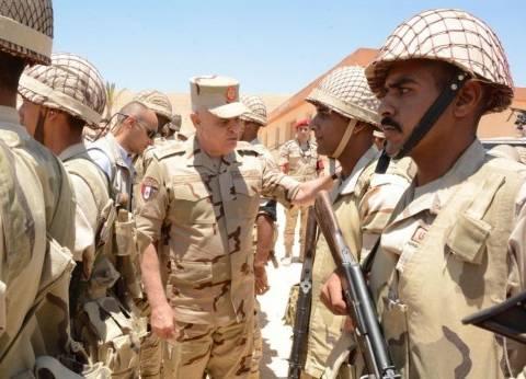 بالصور| رئيس أركان حرب القوات المسلحة يتابع سير العمليات العسكرية بسيناء