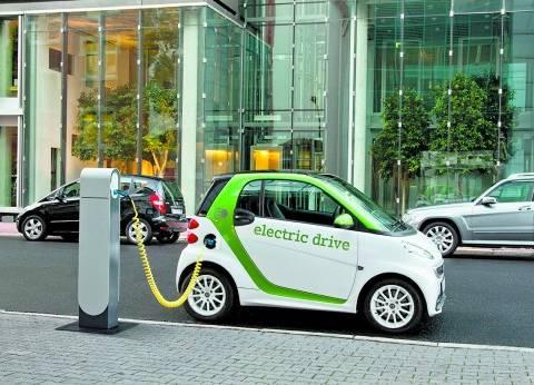 مصر تدخل عصر «السيارات الكهربائية»