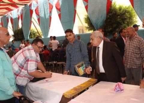 نائبا رئيس جامعة طنطا يتفقدان إجراءات توقيع الكشف الطبي على الطلاب