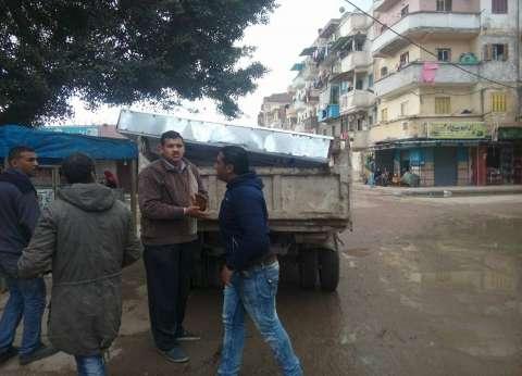 حي غرب بالإسكندرية يشن حملة لإزالة الإعلانات المخالفة