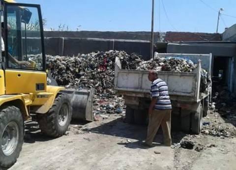 حملة لرفع القمامة بحي وسط الإسكندرية