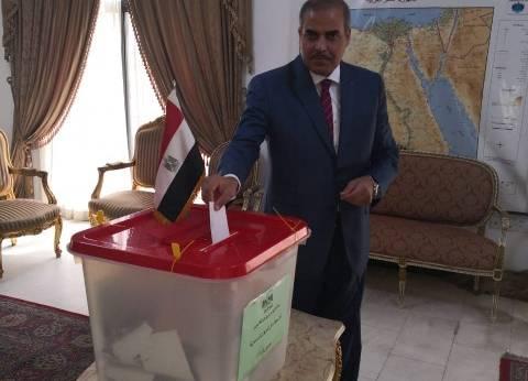 رئيس جامعة الأزهر يدلي بصوته في سفارة مصر بالبحرين