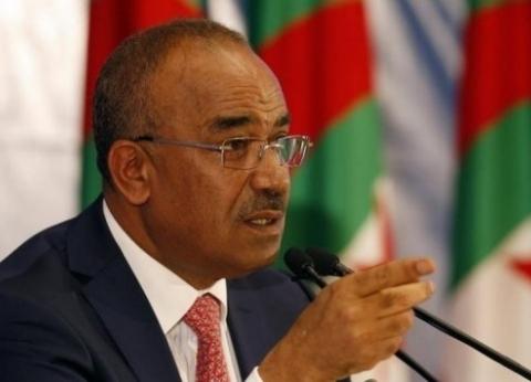 الجزائر: رئيس الوزراء المكلف يبدأ محادثات تشكيل الحكومة