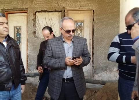 بالصور  مدير أمن بورسعيد يؤمن جمهور المصري في محطة السكة الحديد