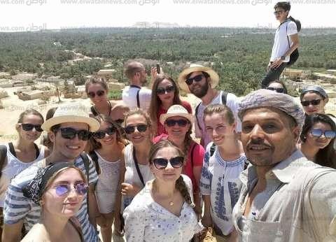 صور| زيادة الإقبال السياحي على سيوة بأعياد الربيع.. والإشغالات تصل 99%