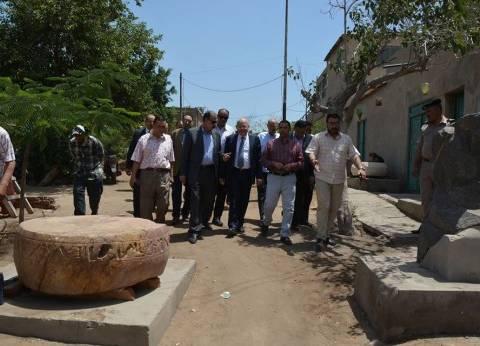 رئيس جامعة الزقازيق يزور منطقة آثار صان الحجر