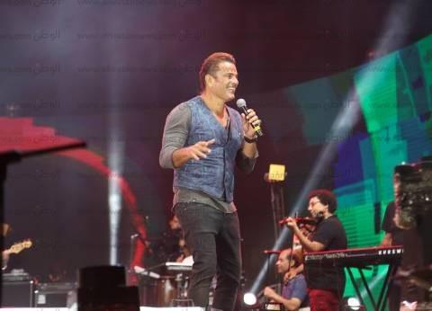 "بالصور| عمرو دياب يشعل ""مراسي"" في حفل استثنائي"