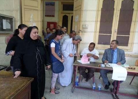مفاجأة.. طابور لأول مرة في الانتخابات أمام مدرسة الشهيدة منه الله بالفيوم