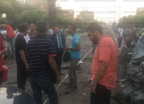 بالصور| إصابة 4 أشخاص في تصادم ترام بـ5 سيارات بمصر الجديدة