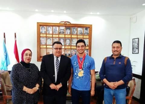 """جامعة الإسكندرية تدعم بطل العالم للكاراتيه حتى وصوله لـ""""الأوليمبياد"""""""