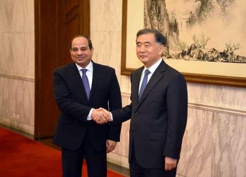 """السيسي يلتقي رئيس """"الوطني للاستشاري الصيني"""" لبحث التعاون"""