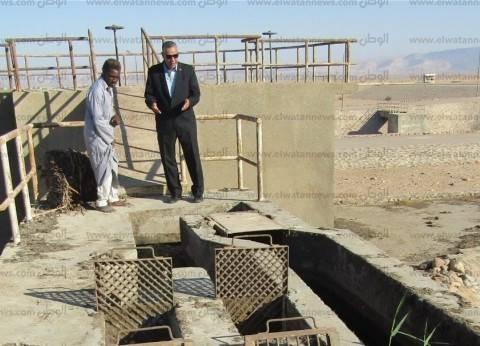 رئيس مدينة أبورديس يتفقد محطة الصرف الصحي بحي السلام