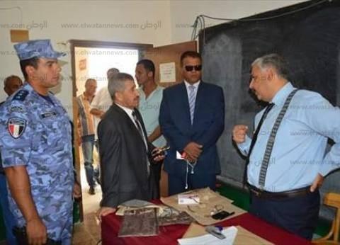 رئيس مدينة القصير يطمئن على سير العملية الانتخابية في جولة الإعادة