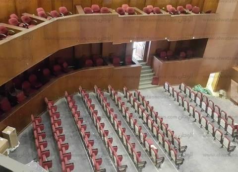 بالصور| رئيس إقليم غرب ووسط الدلتا الثقافي يتفقد مسرح مدينة طنطا قبل افتتاحه