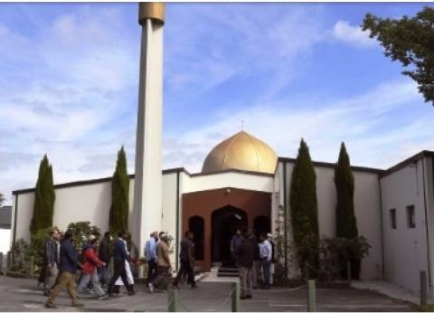 """شرطة نيوزيلندا تفتح مسجد """"النور"""" من جديد أمام المسلمين"""