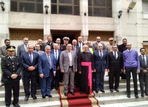 """""""الكنيسة الكاثوليكية"""" تستقبل محافظ الإسكندرية لتقديم تهنئة العيد"""