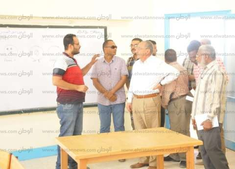 محافظ أسوان يتفقد المدرسة الرسمية للغات لمتابعة أعمال الصيانة
