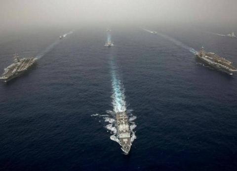 قائد البحرية الإيرانية: نراقب السفن الأمريكية بالخليج ولدينا أرشيف صور