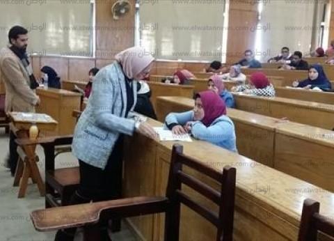 رئيس جامعة دمنهور: انتظام سير الامتحانات في جميع الكليات