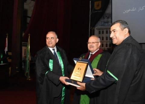 الري: جامعة القاهرة كرمت الوزير خلال الاحتفال السنوي بالرواد