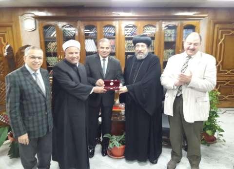 الأنبا أرميا يهنئ نائب رئيس جامعة الأزهر بمنصبه الجديد