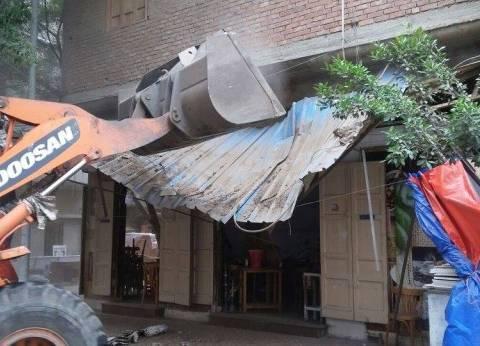 """حملات مكثفة لإزالة الإشغالات والتعديات في شوارع """"وسط الإسكندرية"""""""
