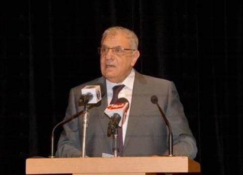 """مواطنو المعادي يستقبلون محلب بهتاف """"ناصر الغلابة"""""""