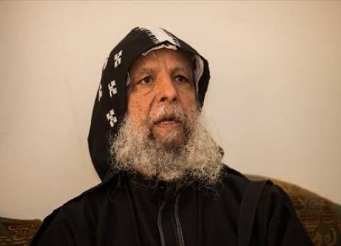 أكبر راهبى «الأنبا بيشوى»: كان يجلس مع الفقراء على الأرض وساعدنى فى مرض والدتى