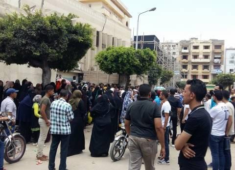 انتشار أمني حول مستشفى بورسعيد لمنع دخول أهالي ضحايا حادث الأتوبيس