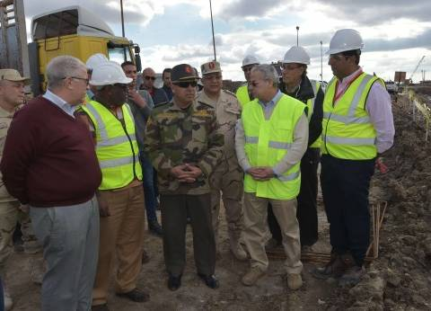 رئيس الهيئة الهندسية يتفقد كوبري النصر العائم قبل زيارة السيسي لبورسعيد