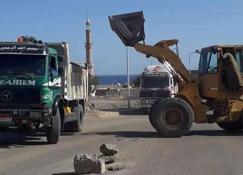 رئيس مدينة سفاجا يشدد على رفع المخلفات الصلبة بالبحر الأحمر
