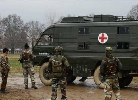 مقتل 2 من مهاجمي القاعدة الجوية الهندية وتحصن الباقين في أحد المباني